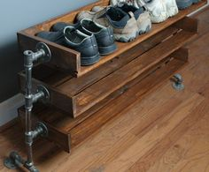 Definitely want this! Handmade Reclaimed Wood Shoe Stand with Pipe Stand Legs on… - Regal Selber Bauen Pallet Furniture, Furniture Design, Furniture Ideas, Building Furniture, Handmade Furniture, Furniture Stores, Pallet Beds, Furniture Buyers, Furniture Dolly