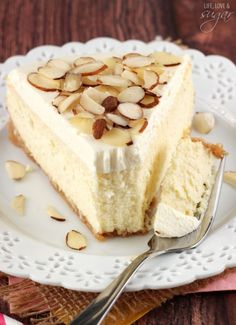 RAVES on this cheesecake! If you love almond, you definitely want to make this Amaretto Cheesecake! It was easier than I thought and turned out so beautifully. I donated it to a dessert raffle and it was a great hit. 2 thumbs up for this rich dessert! Sweet Desserts, No Bake Desserts, Just Desserts, Delicious Desserts, Dessert Recipes, Yummy Food, Gourmet Desserts, Plated Desserts, Amaretto Cheesecake