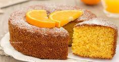 La torta senza bilancia all'arancia è un dolce favoloso, soffice come una nuvola e con tanto succo, profumato e super goloso, si scioglie in bocca! Bakery Recipes, Sweets Recipes, Cooking Recipes, Plum Cake, Cake & Co, Italian Desserts, Sweet Cakes, Cakes And More, Cake Cookies