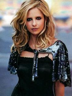 Sarah Michelle Gellar Prinze  was on one Season of Ringer and just as it was getting good, they cancelled it.