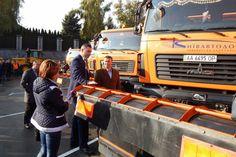 Мэр Киева Виталий Кличко осмотрел дорожную технику «Киевавтодора», подготовленную к работе в осенне-зимний период.