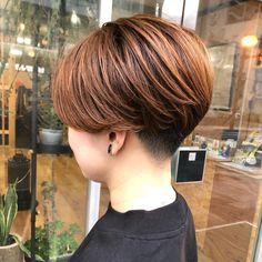 Short Hair Cuts For Women, Girl Short Hair, Short Bob Haircuts, Bob Hairstyles, Pixie Haircut, Curly Hair Styles, Hair Color, Instagram, Wedding Hairstyles