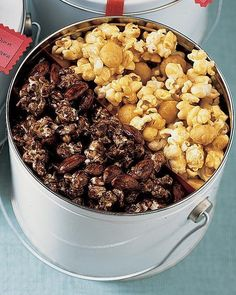 Macadamia Butter-Crunch Popcorn - Pair this buttery, nutty, crunchy treat with our Chocolate-Almond Popcorn. Gourmet Popcorn, Popcorn Snacks, Flavored Popcorn, Popcorn Recipes, Candy Recipes, Dog Food Recipes, Snack Recipes, Homemade Popcorn, Popcorn Tins