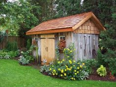 32 Awesome Backyard Shed Landscaping Ideas - Wood Sheds Come In A Variety Materials. Picking Your Shed Type And Size Varies Depending On What Your Own Home Features. Your Back Yard Is A Living Te. Backyard Trampoline, Backyard Sheds, Outdoor Sheds, Backyard Patio, Rustic Shed, Wood Shed, Shed Plans 12x16, Free Shed Plans, Shed Landscaping