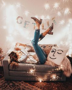 get lit (diy christmas room decor fairy lights) Girls Bedroom, Bedroom Decor, Bedroom Ideas, My New Room, My Room, Fashion Job, 90s Fashion, Fall Fashion, Little Presents