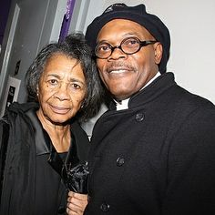 Samuel L. Jackson and mom, Elizabeth. Black Celebrity Couples, Black Couples, Celebrity Moms, Celebrities With Cats, Celebrities Then And Now, Single Black Women, Black Men, Samuel Jackson, Factory Worker