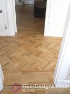 Another gorgeous example of Karndean flooring. I would love this in my hallway!
