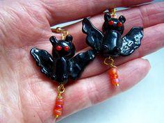Halloween Bats Lampwork Glass Dangle Earrings by doodaba on Etsy Orange Earrings, Drop Earrings, Halloween Earrings, Halloween Bats, Dangles, Trending Outfits, Unique Jewelry, Bracelets, Handmade Gifts