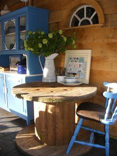 kabel haspel tafel / cable reel as a table * in our shop * www.detijdvantoen.net * Brocante & Styling *