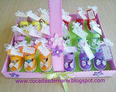 Detalles para bautizo o baby shower, con bandeja a juego, hechos en goma eva totalmente a mano.