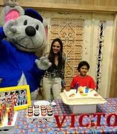 Ratinho Botão com o nosso aniversariante o Victor.  Parabéns!!  Festa realizada no Museu Miniland Buffet Tatuapé  #museuminilandbuffet #BuffetMuseuMiniland