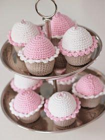 Life with Mari: Virkatut muffinit Kids Playing, Knit Crochet, Knitting, Crocheting, Crafts, Diy, Hobbies, Album, Ganchillo