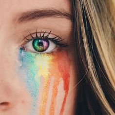 34 Ideas For Eye Photography Rainbow Aesthetic Eyes, Rainbow Aesthetic, Nature Aesthetic, Aesthetic Vintage, Eye Photography, Creative Photography, Photography Business, Rainbow Photography, Photography Magazine