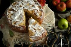 FRENCH APPLE CAKE, A DELICIOUS, CLASSICAL DESSERT YOU CANNOT MISS (Scroll down for the English recipe) La cocina francesa es mundialm... Apple Desserts, Just Desserts, Delicious Desserts, Yummy Food, Baking Recipes, Cake Recipes, Dessert Recipes, Flan, French Apple Pies