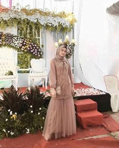 Ideas dress brokat putih Source by brokat Dress Muslim Modern, Dress Brokat Modern, Muslim Dress, Kebaya Modern Hijab, Dress Brokat Muslim, Kebaya Brokat, Modest Dresses, Trendy Dresses, Nice Dresses