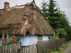 pueblo Medieval Houses, Storybook Cottage, Magic Forest, Thatched Roof, House Doors, Village Houses, Historical Images, Art And Architecture, Countryside