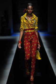 Bold and brave - Africa Fashion Week 2010 African Inspired Fashion, African Print Fashion, Africa Fashion, Ethnic Fashion, Ankara Fashion, African Prints, Fashion Fabric, Fashion Prints, Fashion Design