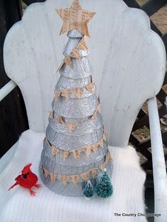 tutorial to make this stack tree but what I really love is the tiny music banner on it. So sweet!!!