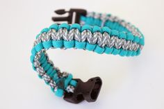 DIY: Paracord Dog Collar | under $10 no matter the size of your dog!
