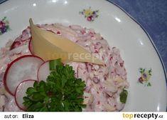 Ředkvičkový salát se sýrem recept - TopRecepty.cz