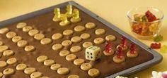 Bärchen-ärgere-dich-nicht-Kuchen - Ein leckerer Kuchen vom Blech mit Amarettini für jeden Kindergeburtstag