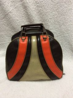 Adorable bowling bag, could be a purse