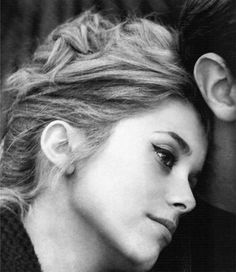 Imagem de http://rebelliousblogdotcom.files.wordpress.com/2012/08/catherine-deneuve1.jpg.
