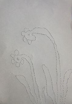 JARNIČKY - vytváření plastických stop propichováním, vnímání kresby zrakově i hmatově (kresba, perforace=proděravění)