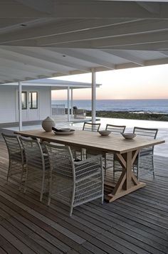 Malibu Outdoor Dining Furniture by Manutti. www.coshliving.com.au