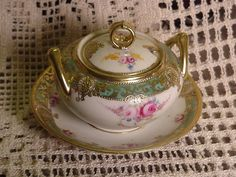 Hand Painted Nippon Noritake Covered Sauce With Attached Base Gilt, White, Green #nipponnoritake