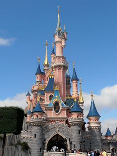 The happiest place on earth Disneyland Paris Disneyland Paris, Disney Parks, Barcelona Cathedral, Fairy, Earth, Places, Garden, Garten, Lawn And Garden