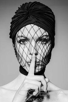 BLISSFUL SILENCE Fashion and faces photography Portret photography Naked photography Artistic nude Cobra Art Company Photographic art on plexiglas