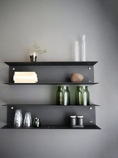 DIY Floating Shelves, bookshelf, and Wall Shelves Easy, Simple Bookcase Shelves, Metal Shelves, Steel Shelving, Black Shelves, Ikea Shelves, Open Shelving, Layout Design, Espace Design, Steel Beams