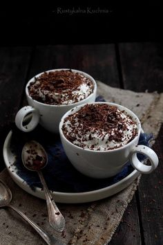 rustic kitchen - cooking at home: Chocolate dessert Mouth Watering Food, Coffee Pictures, Coffee And Books, Cook At Home, Coffee Cafe, Chocolate Desserts, Chocolate Chocolate, Aesthetic Food, Coffee Recipes