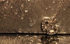 Romantic Rain In Golden Heart Wallpapers - 1920x1200 - 1076565