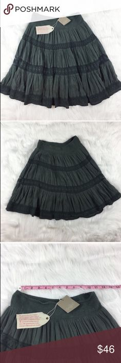 Anthropologie Edme & Esyllte Grey Swing Skirt Anthropologie Edme & Esyllte grey swing skirt. Size extra small and it is 21' long. NWT but does have a few spots that need to be washed or from storage. Fully lined.  ❌I do not Trade 🙅🏻 Or model💲 Posh Transactions ONLY Anthropologie Skirts Circle & Skater