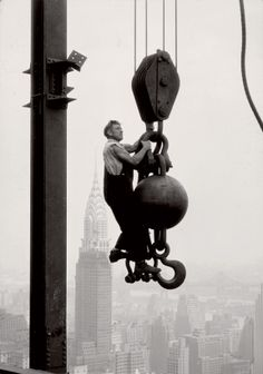 Lewis Hine  New York City... ?? construction of Empire State Building