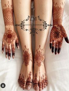 Weddings are incomplete without the Mehndi ceremony! For yours, we have curated a list of easy Arabic mehndi designs that will make you look spectacular! Modern Henna Designs, Indian Henna Designs, Rose Mehndi Designs, Henna Tattoo Designs Simple, Simple Arabic Mehndi Designs, Legs Mehndi Design, Latest Bridal Mehndi Designs, Henna Art Designs, Mehndi Designs For Fingers