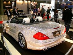 diamond covered luxury convertible mercedes benz < now this is a girl's best friend . the car itself the diamonds just add for effect Rolls Royce, Convertible, Mercedes Car, Car Magazine, Car Makes, Expensive Cars, Diamond Studs, Hot Cars, Girls Best Friend