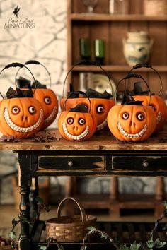 Pixie Dust Miniatures: Grinny Pumpkin Cauldrons for Halloween!