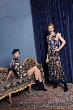 Alice+Olivia  #VogueRussia #prefall #fallwinter2018 #AliceOlivia #VogueCollections
