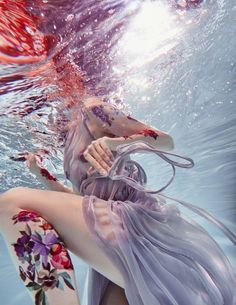 """beautifulbizarremagazine: """" Simply GORGEOUS underwater photography by from her """"SACRED BLOOM"""" series. Underwater Photoshoot, Underwater Art, Underwater Photography, Art Photography, Travel Photography, Pregnancy Photography, Photography Couples, Photography Camera, Street Photography"""