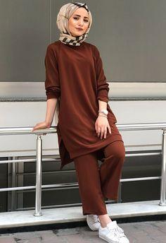 Modest Fashion Hijab, Modern Hijab Fashion, Street Hijab Fashion, Casual Hijab Outfit, Hijab Fashion Inspiration, Abaya Fashion, Muslim Fashion, Fashion Outfits, Modest Wear