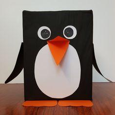 Sinterklaas surprise pinguin. #sinterklaas #surprise #pinguin Creative Cards, Diy Cards, Preschool Seasons, Valentines Day, Projects To Try, December, Wraps, Winter, Cami