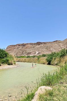 Raft or SUP down the Rio Grande River with a view of Mexico on one side and the US on the other. Looking for the coolest things to do in Big Bend National Park? This post is packed with the spots you can't miss and travel tips to help you make the most of your visit // Local Adventurer #localadventurer #bigbend #nationalparks #texas #texastravel #findyourpark #standuppaddleboarding #visittheusa Texas Travel, Travel Usa, Travel Tips, Le Far West, Road Trip Usa, Rio Grande, Travel Images, Great View, World Heritage Sites