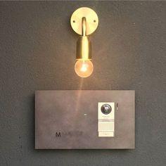 眠れずに真夜中の更新… この表札が、シンプルでツボ❤️しかもインターホンも隠せてお洒落ー!!夫はうーんって感じなので採用されるかはまだ未定採用しよーよ!ねえ!(笑) #インターホン#表札#黒皮鉄#マイホーム#マイホーム計画#マイホーム作り Name Plate Design, Sign Image, Chinese Style, Interior And Exterior, Lightning, Light Bulb, Entrance, Wall Lights, Logo Design