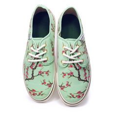 AriZona Green Tea Sneakers ($35) ❤ liked on Polyvore featuring shoes, sneakers, sapatos, flats, flats sneakers, flat heel shoes, flat shoes, flat pump shoes and flat pumps