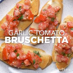 I just started with my grandmother's bruschetta recipe and added fresh tomatoes! It's one of the yummiest bruschetta recipes I've found. Finger Food Appetizers, Finger Foods, Appetizer Recipes, Italian Appetizers Easy, Tasty Videos, Food Videos, Tomato Bruschetta, Homemade Bruschetta, Snacks Für Party