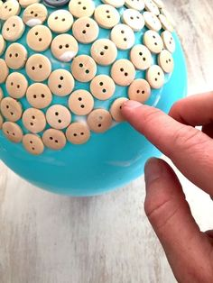 button dish - perfect way to recycle all those extra buttons in your drawer as well as fun kid's activity.