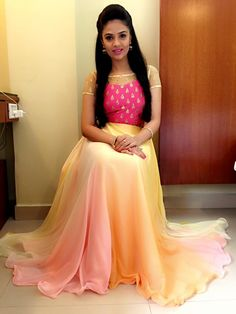 Pretty Sreemukhi flaunting Stylus outfit for Zee Tv festive event Long Dress Design, Dress Neck Designs, Indian Designer Outfits, Designer Dresses, Designer Wear, Long Gown Dress, Long Frock, Indian Gowns Dresses, Brocade Dresses